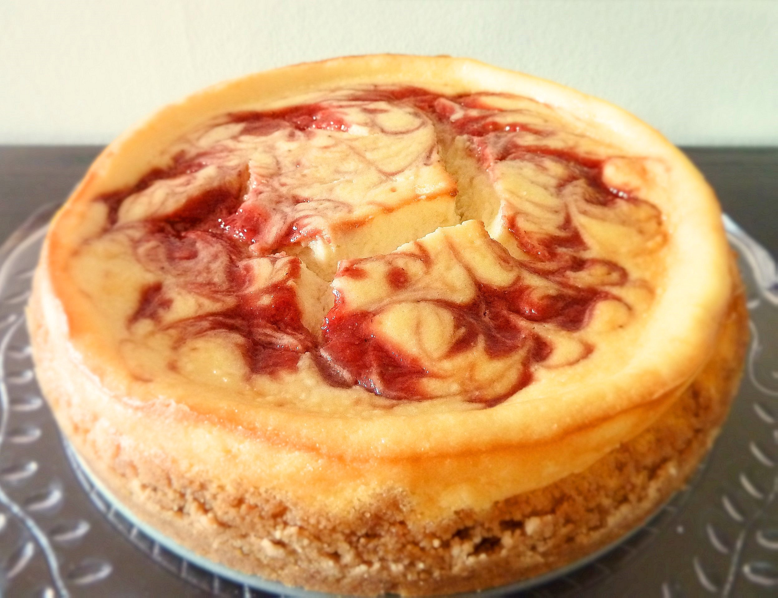 STRAWBERRY SWIRL CHEESECAKE | A Spoonful Of Sugar